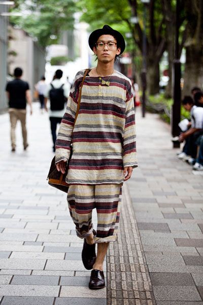 Tokyo Street Photography August 12 2010 By Style Stalkers Stylish Stripes Pinterest