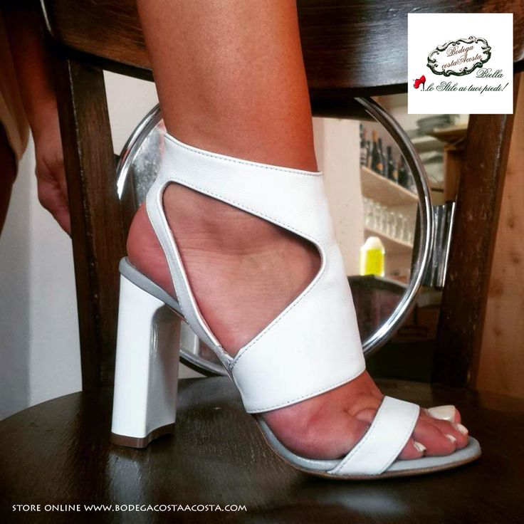 #Fashionshoes #Design #Bodegacostaacosta Made in Italy #Glamour store online www.bodegacostaacosta.com  info@bodegacostaacosta.com
