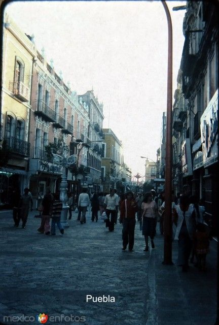 Fotos de Puebla, Puebla, México: ESCENA CALLEJERA  Hacia 1959