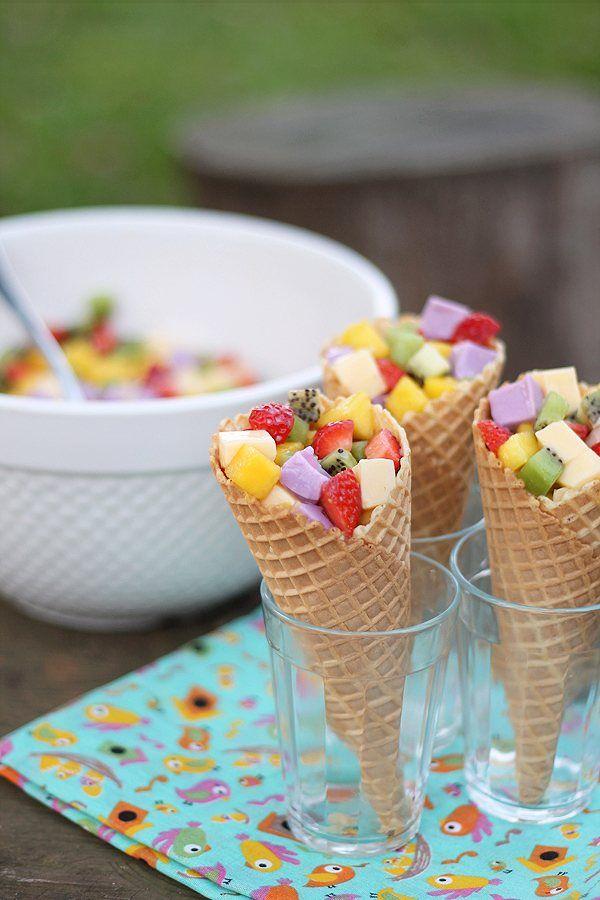 casquinha com salada de frutas e gelatina