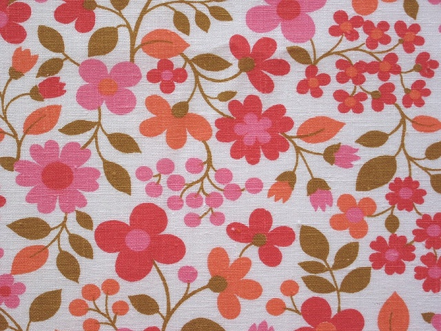 1222 best fabulous vintage fabric images on pinterest for Retro fabric