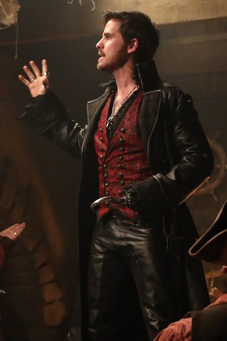 Hook's Voice on Once Upon a Time's Musical Episode Is Strangely Enchanting
