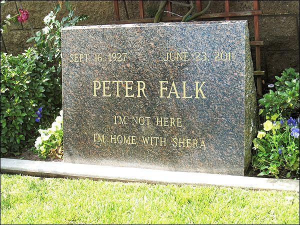 Peter Falk's grave (photo)