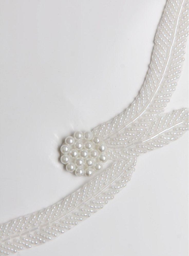 Elbiselik Şerit, Abiye Kumaş, Gelinlik Kumaş, Nişanlık Kumaş, Kupon Kumaş, Aksesuar ve Boncuklu ve Desenli Beyaz Çiçekli İnci Kenar Bant - AK0023 modeli sizleri bekliyor. #kumaş #kumaşım #kumasci #abiye #elbise #gelinlikkumaş #mağaza #dantel #tesettür #butik #trend #kumaşçılar #aksesualar #swarovski #fabrics #terzi #ipek #dantel #gelinlik #elbiselik #payetli #modaevi #kadife #kumaşlar #love #instagram #design #moda #mood #style #3boyutlukumaş
