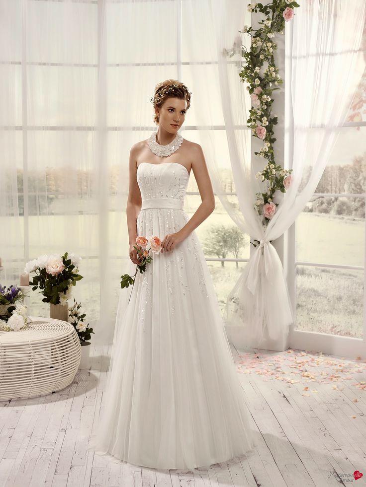 Robes de mariée Mademoiselle Amour, modèle Mlle Nacre http://www.pronuptia