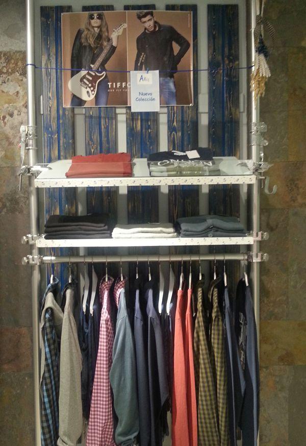 Preparando la nueva colección de Otoño-Invierno también para ellos. Azules, verdes o rojos son algunos de los colores que estarán presentes en las prendas masculinas. #nuevacoleccion