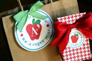 Thank you cards to wonderful teachers! http://www.tipjunkie.com/teacher-thank-you/