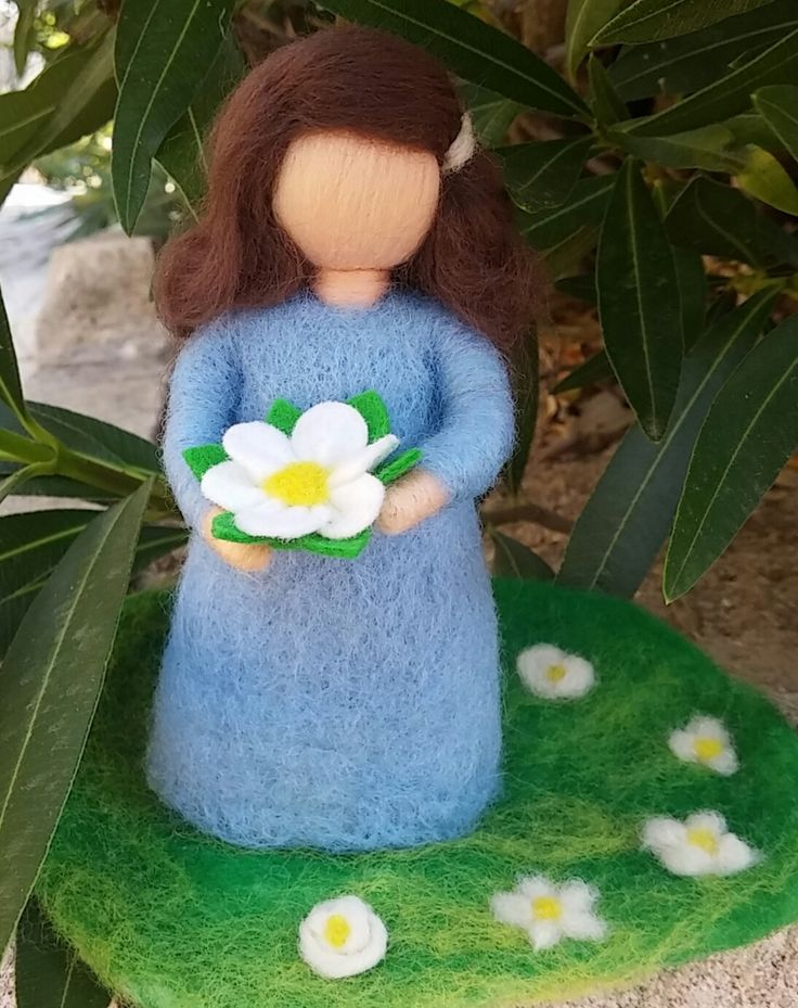 Needle felted Wool, Little Doll, Spring decoration, Just for girls, Waldorf inspired