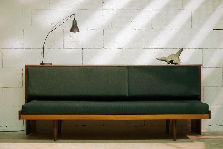 Top! Retro Vintage bank, kast, dressoir en bed in 1 meubel! – Dehuiszwaluw