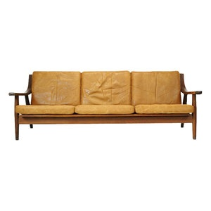 Hans J. Wegner sofa for Getama.  Model 530 in Oak & Leather.