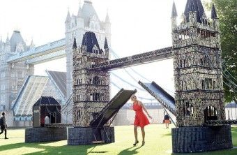 Pollyanna Woodward with Batteries_Tower3