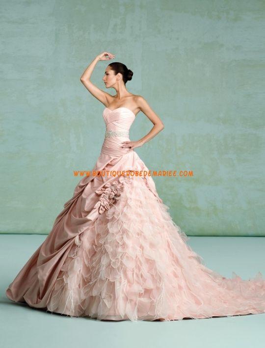 Robe de mariée rose perles en taffetas et organza