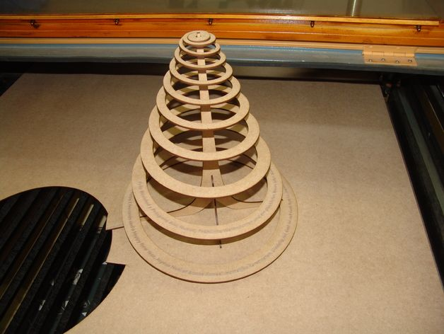 25 einzigartige spiralf rmiger weihnachtsbaum ideen auf. Black Bedroom Furniture Sets. Home Design Ideas