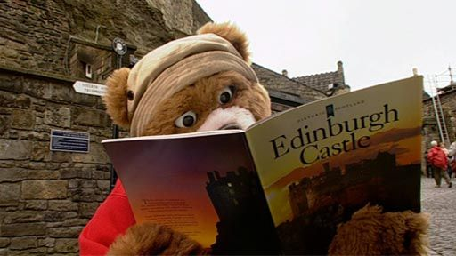 Barnaby Bear visits Edinburgh Castle in Scotland and learns about its history and defences. subtitled
