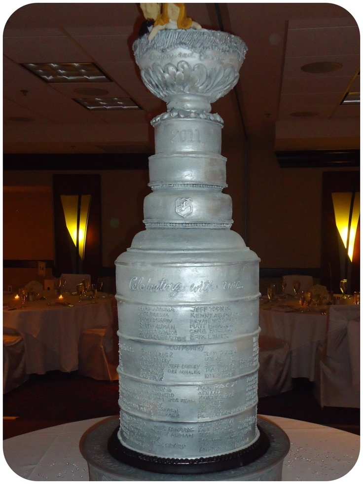 how to make a stanley cup wedding cake 1000 images about wedding ideas nhl hockey wedding 15860