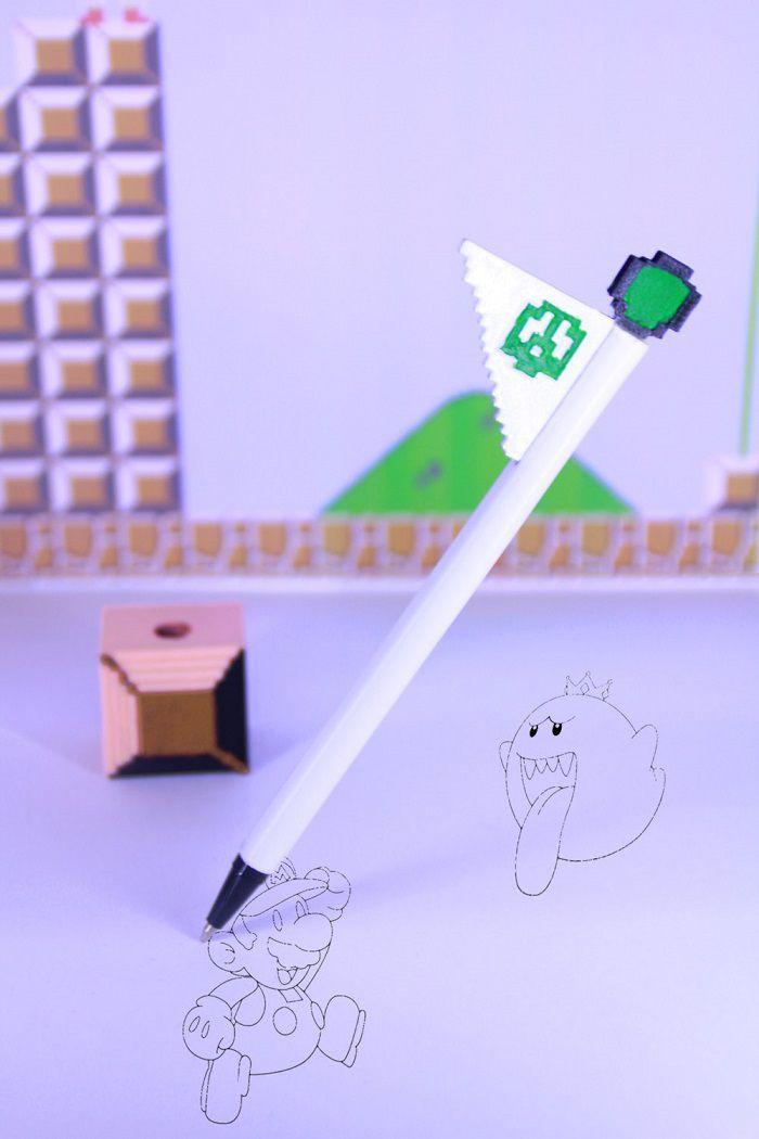 Super Mario Bros Flagpole pen 8 bit