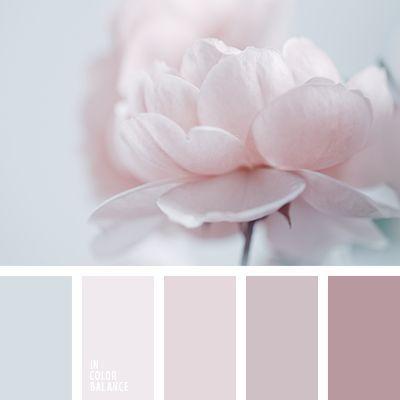 Aquí vemos una combinación monocromática de tonos rosados pastel.  Tal paleta de colores está creada para decorar una habitación al estilo