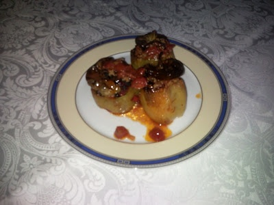 green peppers stuffed with minced meat/ Πιπεριές γεμιστές με κιμά