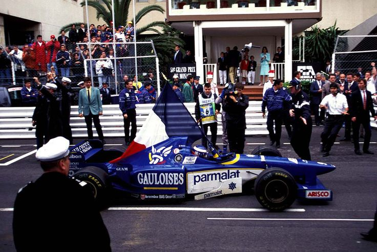 Olivier Panis (FRA) (Ligier Gauloises Blondes), Ligier JS43 - Mugen Honda MF301HA 3.0 V10 (Monaco 1996)