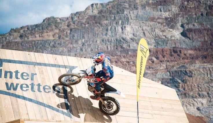VÍDEO: Partida do Erzbergrodeo em câmera lentahttps://www.motorcyclesports.pt/video-partida-do-erzbergrodeo-em-camera-lenta/