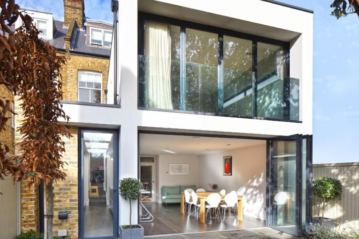 Contemporary extension for an Edwardian home