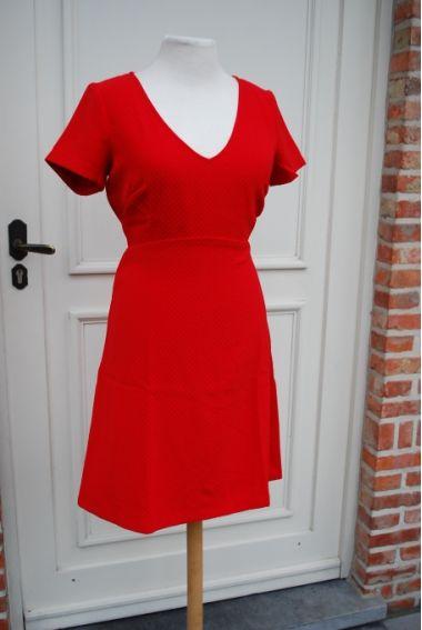 Kleding :: Rode jurk met V-hals - Traffic People