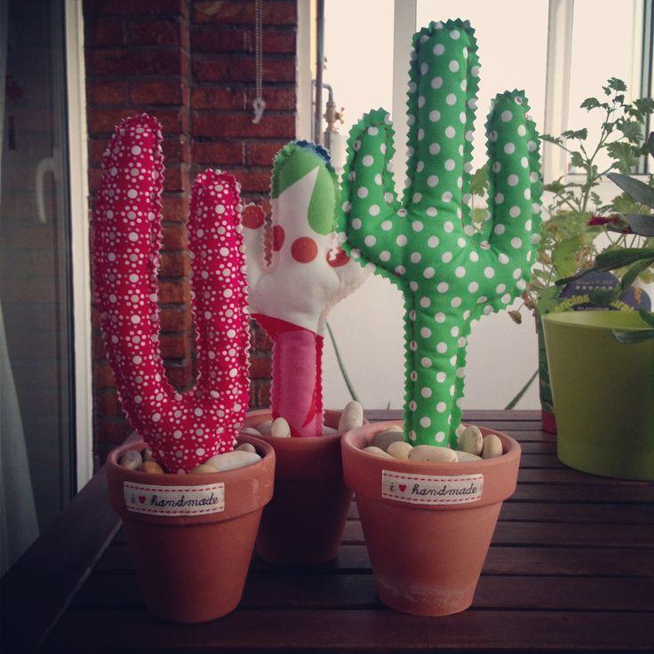 El jardín va creciendo! Cactus de tela handmade !