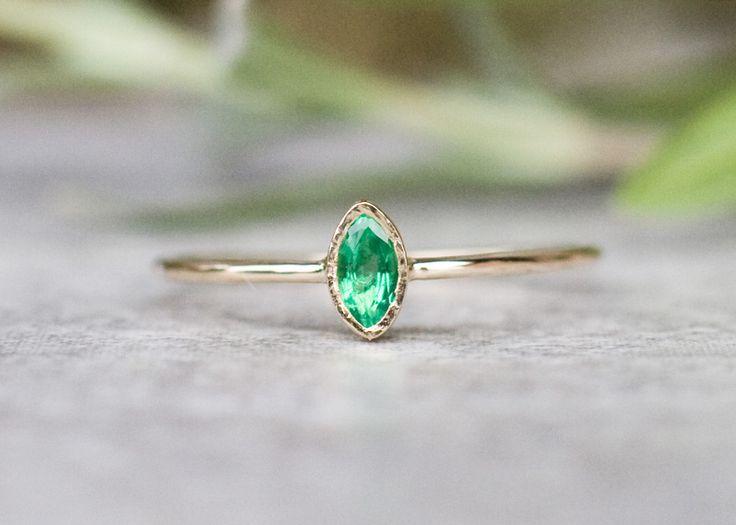 Verlobungsringe - Natürliche Smaragdring in 14 Karat Gold Verlobungs - ein Designerstück von arpelc bei DaWanda