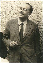 Achille Campanile (Roma, 28 settembre 1899 – Lariano, 4 gennaio 1977) è stato uno scrittore, drammaturgo, sceneggiatore e giornalista italiano, celebre per il suo umorismo surreale e i giochi di parole. Nacque da Gaetano Campanile Mancini (1868 – 1942), napoletano, soggettista, sceneggiatore e regista di film ancora muti e poi redattore capo del quotidiano La Tribuna, e da Clotilde Fiore