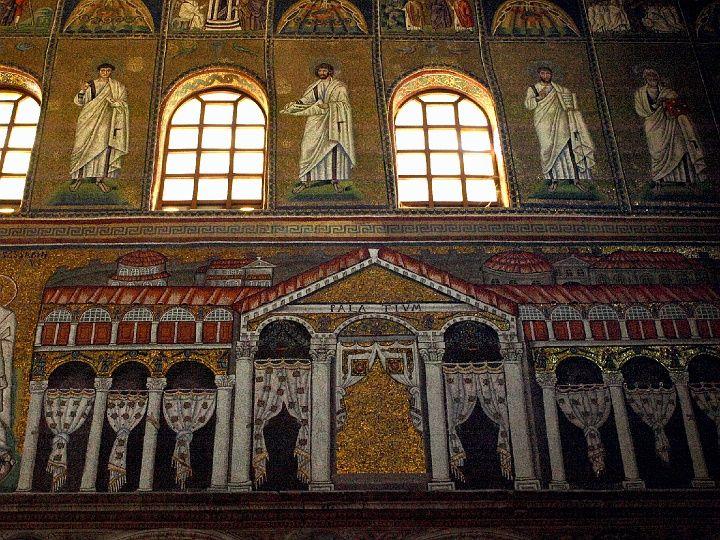 Wnętrze San Apollinare Nuovo w Rawennie, Foto.: (c) Krzysztof Firkowski