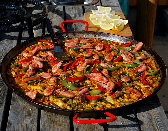 #Paella aus #Spanien / Spanish Paella [Foto: Helge Høifødt, Lizenz: CC-BY-SA-3.0 (http://creativecommons.org/licenses/by-sa/3.0/)]