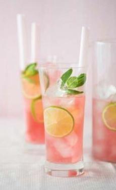 Recepty: Pink lady (vinea - grape limo)