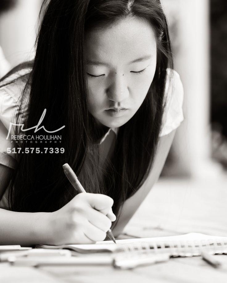 senior pictures sketching lansing photographer