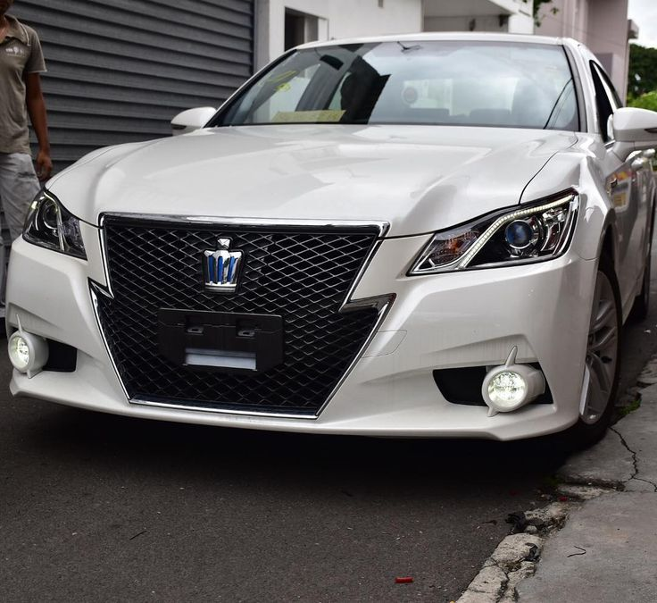 25+ Best Ideas About Toyota Crown On Pinterest