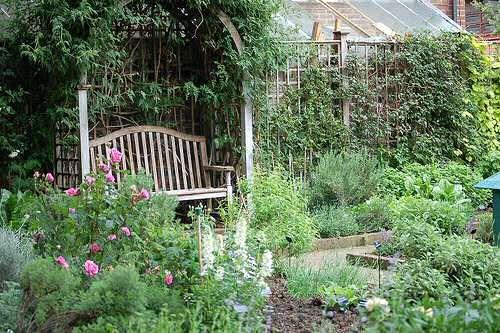 best 25 small herb gardens ideas on pinterest patio. Black Bedroom Furniture Sets. Home Design Ideas