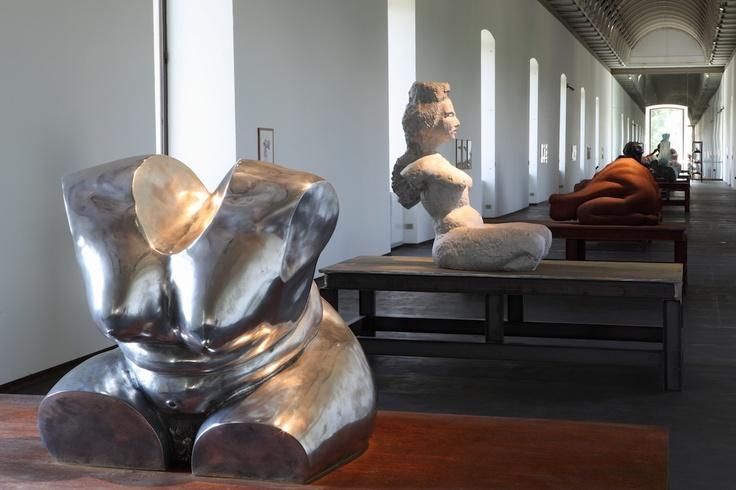"""Le """"Frauen"""" di Thomas Schütte, al Castello di Rivoli fino al 23 settembre 2012"""
