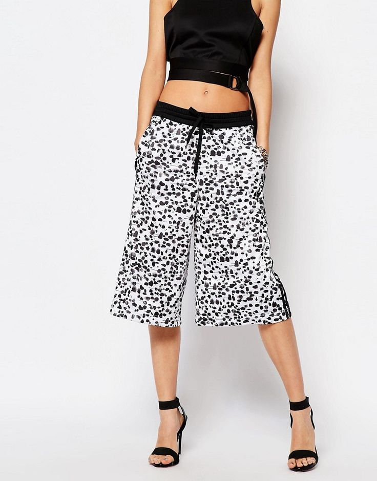 Image 4 ofadidas Originals 3 Stripe Wide Leg Culottes In Inked Print