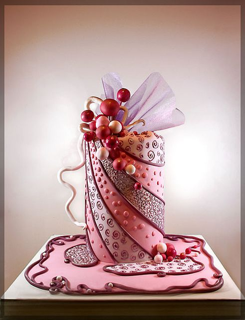 www.cakecoachonline.com - sharing...ndian Weddings Inspirations. Pink wedding cake. Repinned by #indianweddingsmag indianweddingsmag.com