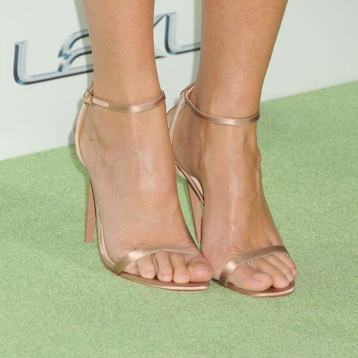 Gwyneth-Paltrow-Feet-1961872.jpg (3000×3000)