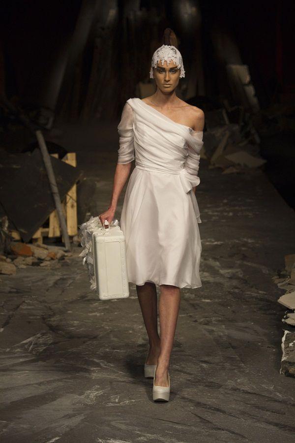 Abito da sposa corto 2012, ideale come abito da sposa autunnale, di David Fielden.