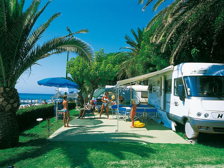 13 best perfect pools images on pinterest camping - Camping interior tarragona ...