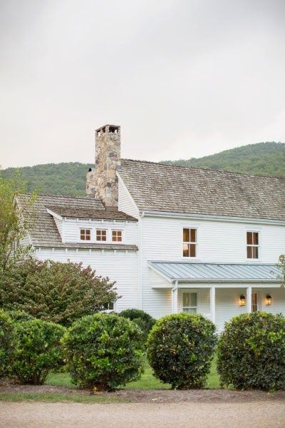 128 best exterior colour scheme images on pinterest for Industrial farmhouse exterior