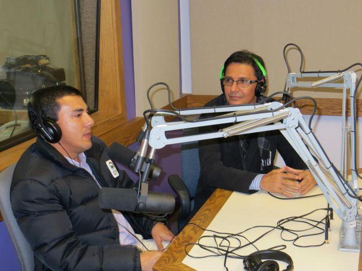 Felipe Echeverri Zapata y Jorge grabando una entrevoista para Radio KMSU emisora en español, Mankato.