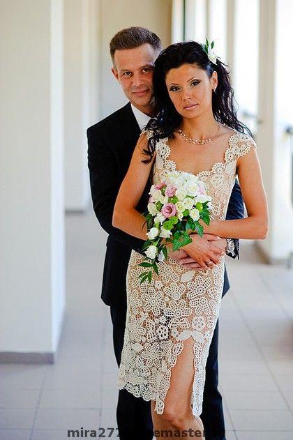 Купить или заказать Свадебное платье 'Романтика' в интернет-магазине на Ярмарке Мастеров. Свадебное - значит единственное и неповторимое для каждой. Старинная техника ирландского кружева поможет создать образ романтичной, загадочной невесты. Бренд LUMIRELLE позаботился не только об уникальности вашей модели, но и возможности совершенно легко и изящно двигаться в ней, танцевать на собственной свадьбе. Техника - ирландское кружево Нить - высококачественный мерсиризированный хлопок.
