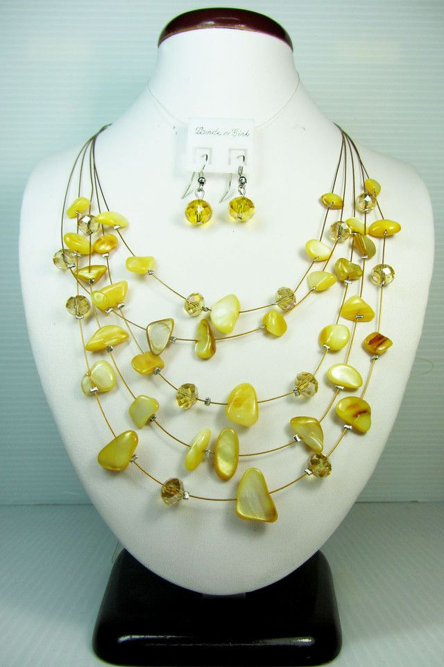 YELLOW NECKLACE WITH MATCHING EARRINGS QT111