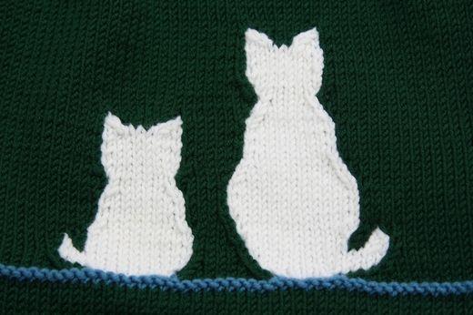 Contoured intarsia cats