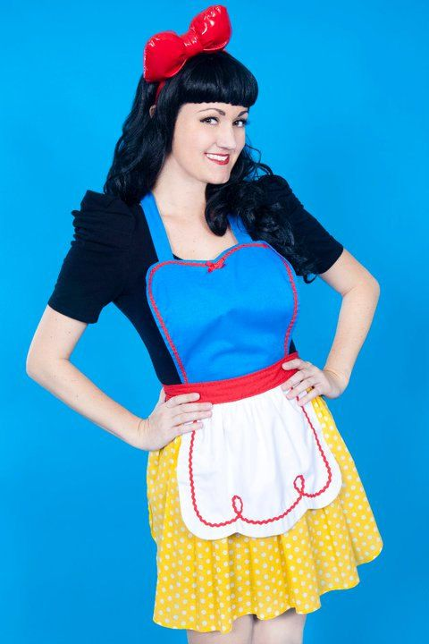Hey, I found this really awesome Etsy listing at http://www.etsy.com/listing/99132228/snow-white-apron-retro-apron-womens-full
