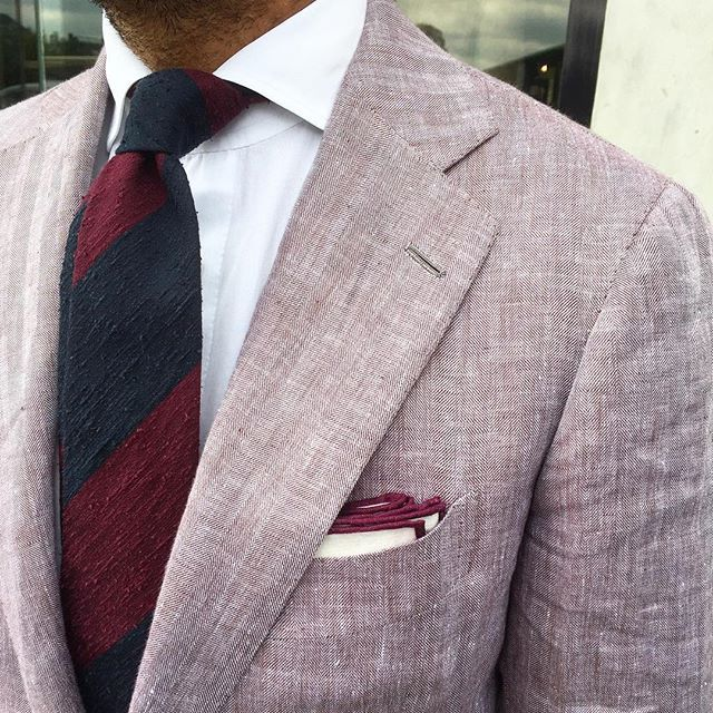 """@suitwhisper is wearing a Viola Milano """"Block Stripe 3-fold shantung - Navy/Wine"""" tie & Classic Shoestring Linen pocket square... ➡️ Worldwide shipping at www.violamilano.com  #violamilano #handmade #madeinitaly #luxury #style #elegance #details #shantung"""