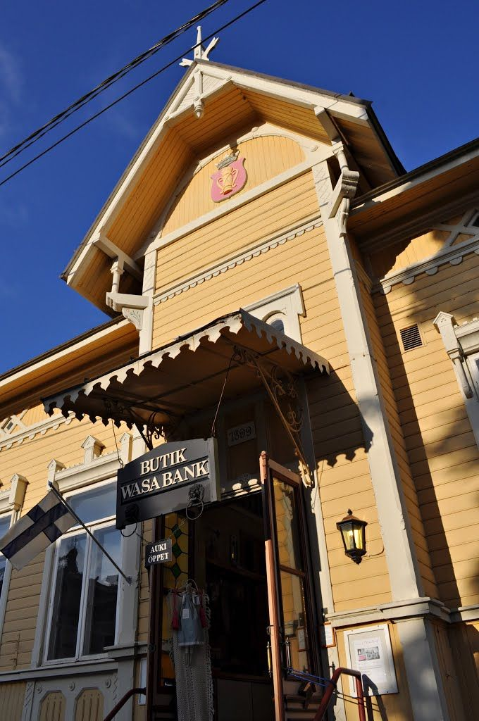 Kaskinen, Butik Wasa Bank - Ostrobothnia province of Western Finland. - Pohjanmaa. photo Mira G