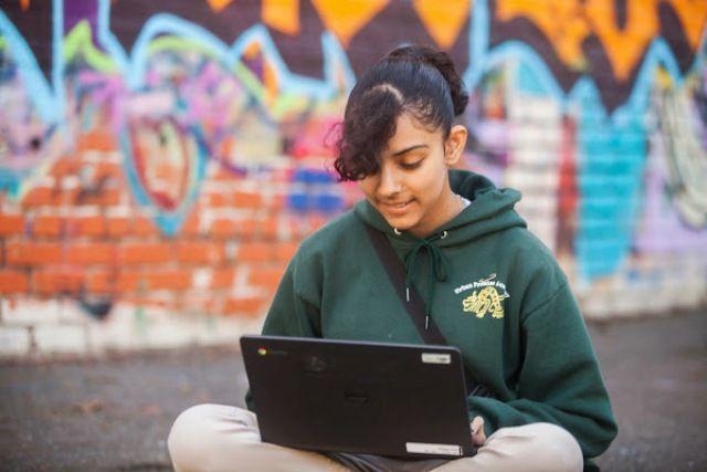 Broadband user image by Google